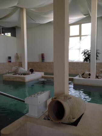 Acropole du Spa : la piscine