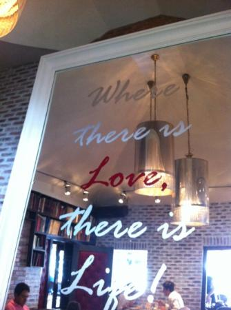 Greenstreet Cafe: A picture from the restaurant.