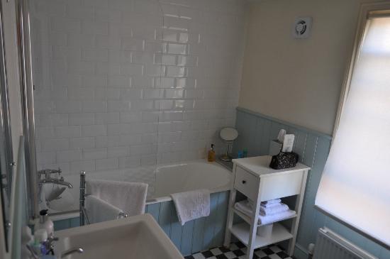 Eleven Westgate: Bathroom