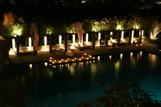 Aman Villas at Nusa Dua: Private dinner on pool platform
