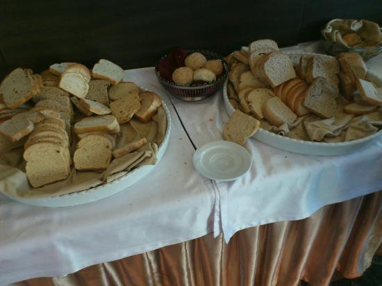 Grand Hotel Primorsko: reality of every day in restaurant, 7 days in week
