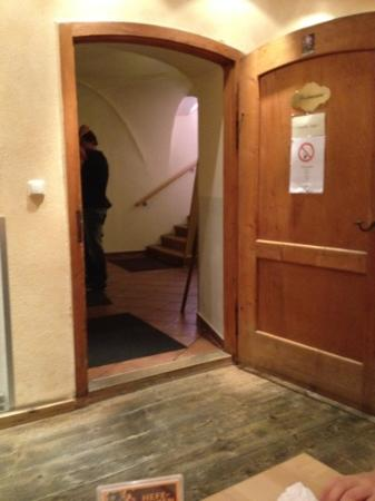 Restaurant Aquila: entrance door