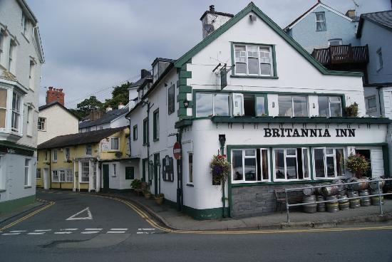 Britannia Inn, front