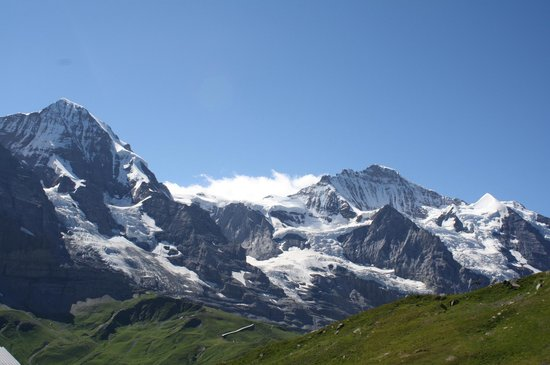 Grindelwald, Suiza: one of many views of the Jungfrau