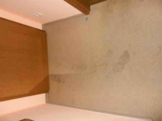 EA Hotel Manes: ingresso nella stanza... i ladri!!!