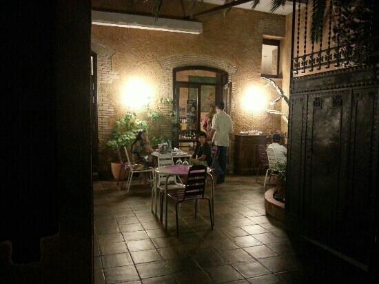 Restaurante Sotamuralla: the Sotaking Muralla patio