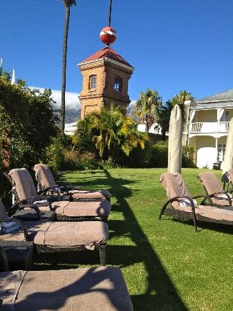 Dock House Boutique Hotel: A view of the historic Tide ball in the gardens