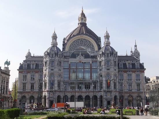 Bahnhof Antwerpen-Centraal: Estação Central da Antuérpia - visão externa