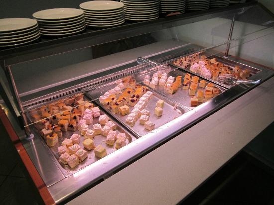 Rabac, Kroatia: Buffet dei Dessert!