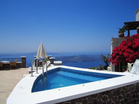 Irini's Villas Resort: pool