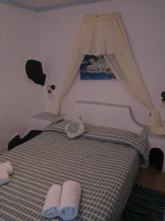 Irini's Villas Resort : bedroom