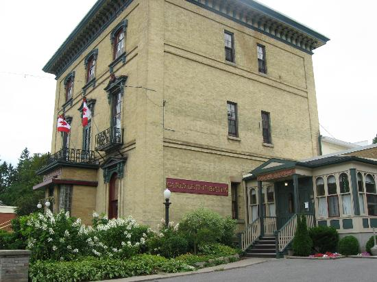 Carlyle Inn and Bistro: The Carlyle