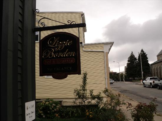 Lizzie Borden Bed and Breakfast: Lizzie Borden Bed & Breakfast