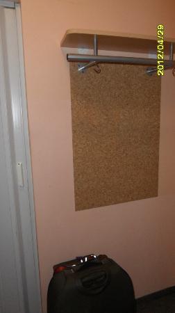 Pratol: Area pasillo entrada habitacion