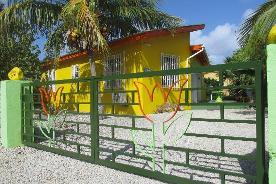 Bonaire Exclusive Bungalows: Tulpen en kokosnoten bungalow 26