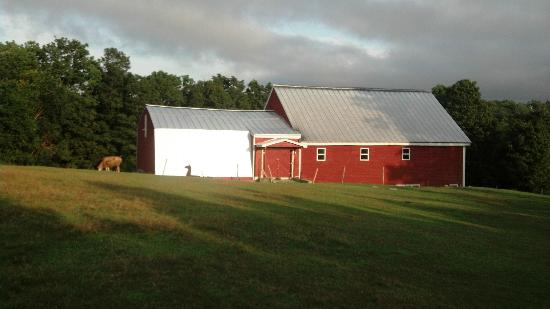 Maple Hill Farm Inn: Farmhouse