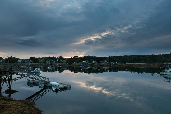 Five Gables Inn: Linekin Bay sunrise