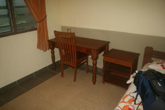 Sepilok B&B: Small table