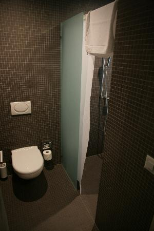Hotel Kreuzlingen am Hafen: Bathroom