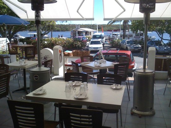 iS Tapas Bar: al fresco dining