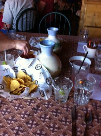 Donita's Cantina: pre-dinner