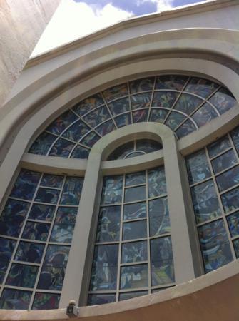 Dulce Nombre de Maria Cathedral Basilica: precise work