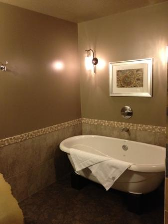 Solara Resort & Spa: free standing tub
