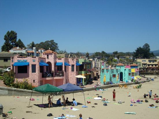 capitola beach colorful beach houses in capitola