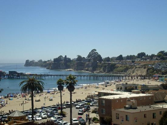 Capitola City Beach: View of Capitola with beach area and pier