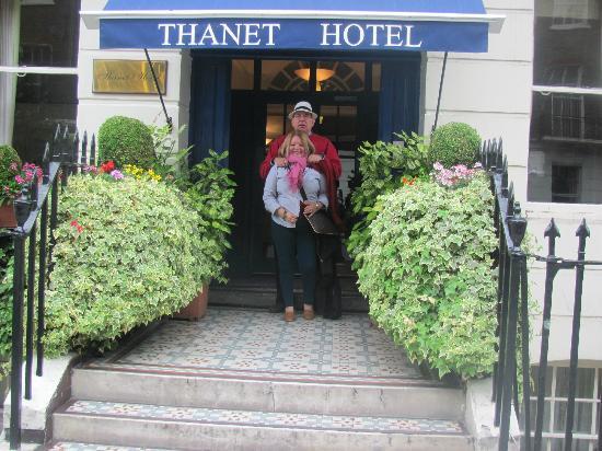 Thanet Hotel: hotel entrance