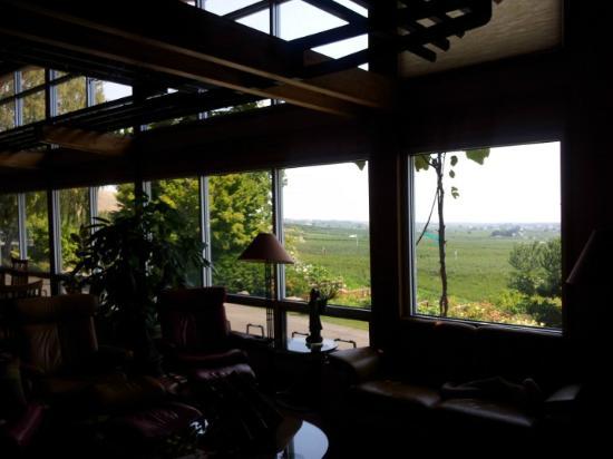 Windy Point Vineyards: interior