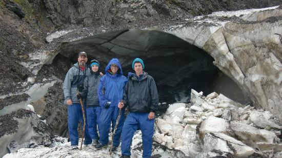 Alaska Backcountry Access LLC: Short hike to cave