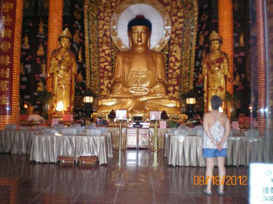 International Buddhist Society (Buddhist Temple): Glorious Buddha