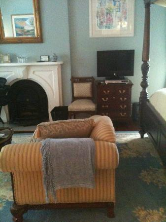 Stewart House Inn, Stratford, Ontario: Regency Suite - Middle of the room