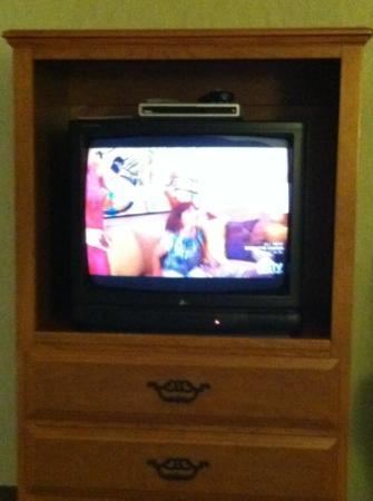 The Ashley Inn of Tillamook: old small tv