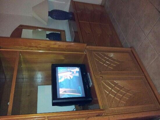 Costa Dorada Beach Resort: the tv..