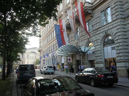 Entrance to Hotel de France