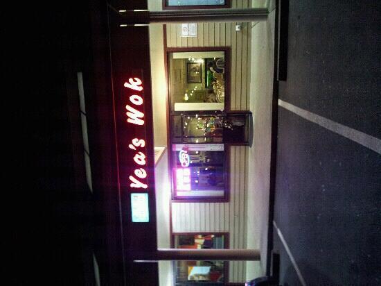 Yeas Wok: store front