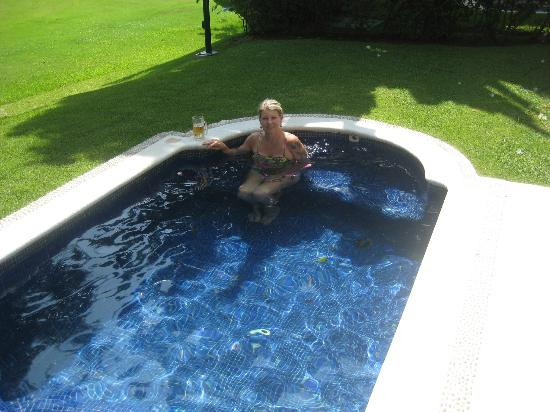 Casa Velas: Pam in private plunge pool off room