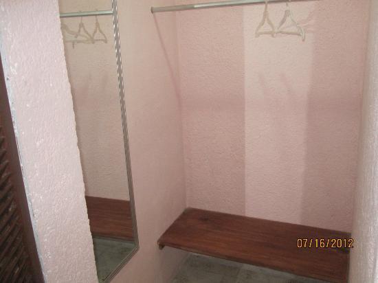 Casa Tía Micha: Closet
