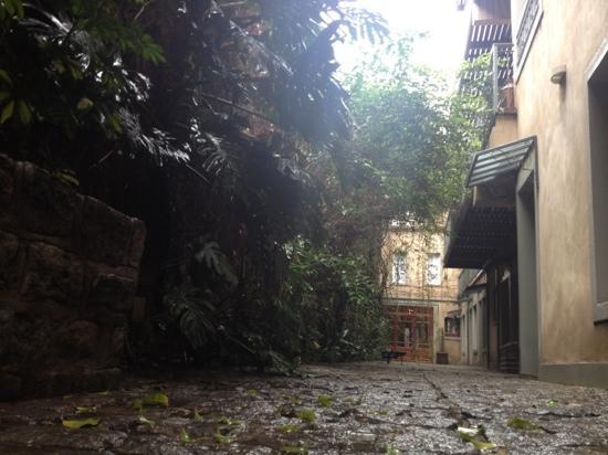 L'Hotel Palermo: jardim interno