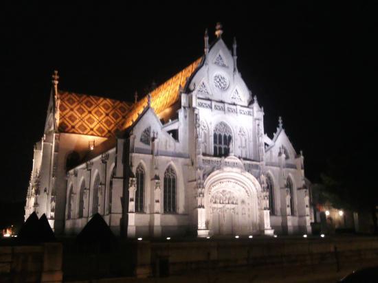 Auberge Bressane : L'église du Monastère royal de Brou, face au restaurant