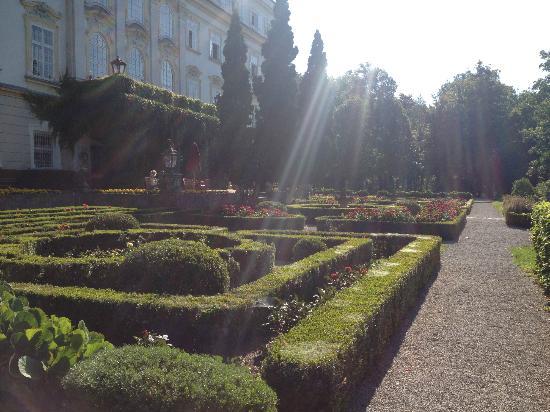 Hotel Schloss Leopoldskron: Il giardino verso il lago