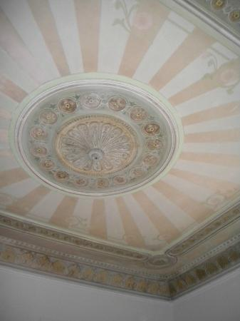 BruStar Gotic Hotel: Ceiling