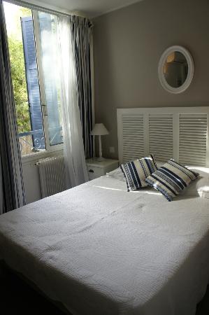 Hôtel Albert 1er Cannes : Sleeping room in Hotel Albert 1er Cannes