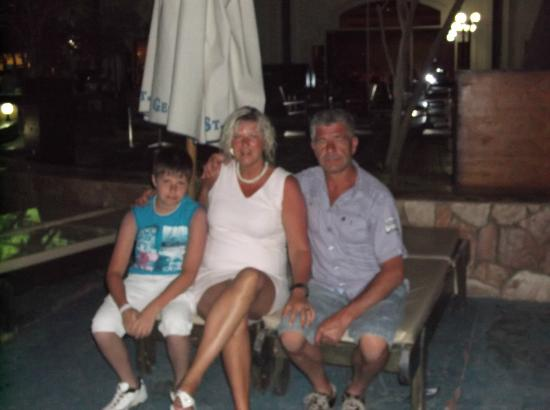 Xperience St. George Homestay: Pool am Abend