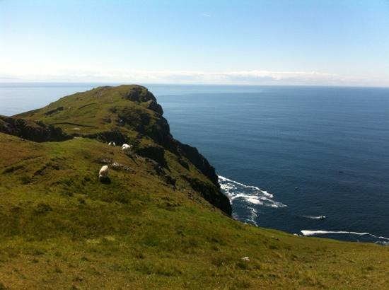 Eas Dun Lodge: beautiful views near killybegs/ Teelin