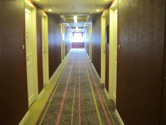 Hotel Monterey Kyoto: hallway