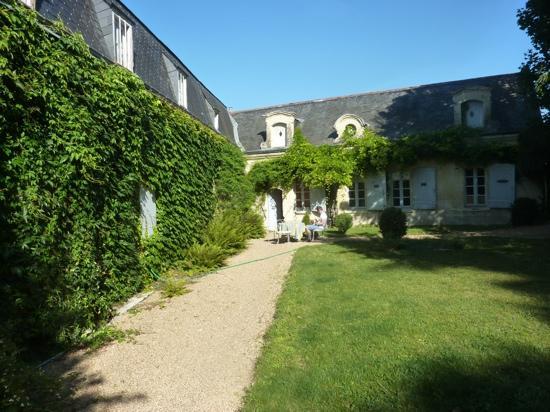 Manoir de Boisairault : sunny morning at the manoir
