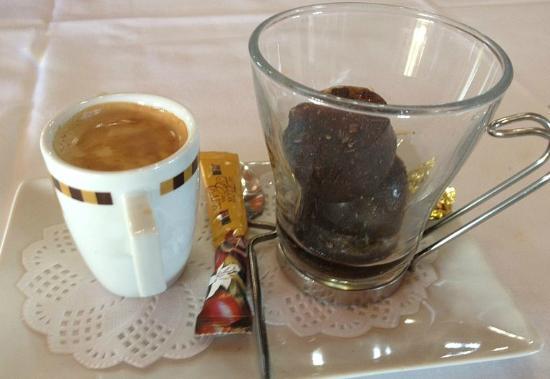 Sant Jaume d'Enveja, Spain: the coffee